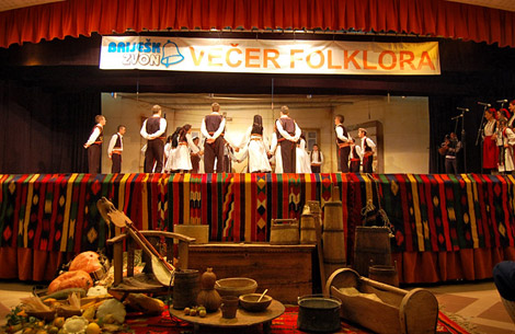 vecer_folklora_d23
